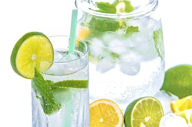 Kā izdzert ūdens daudzumu
